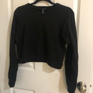 Forever 21 cropped black sweatshirt Small